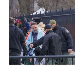 Rabbi Waskow arrested. (Photo Credit: John Zanga, #NoKXL Actions, D.C.)
