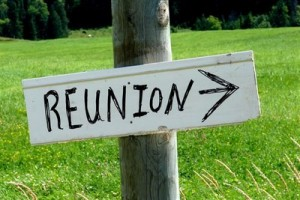 family-reunion-sign