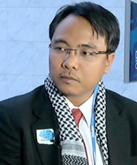 "COP18 Doha : Naderev ""Yeb"" Sano, the lead negotiator for the Philippines delegation at Cop18"