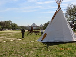 Members of the Reject & Protect witness set up a tipi on the National Mall. Photo courtesy Rose Berger.