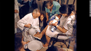 Bergoglio-foot-washing